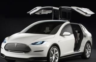 2016 Tesla Model X with Falcon Wings